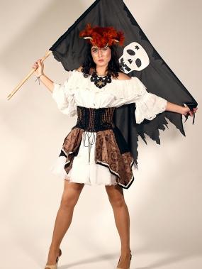 Пиратка Лори